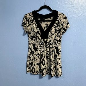 Lapis Black and White Floral Top